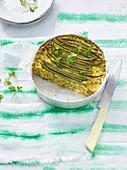 Grießkuchen mit grünen Bohnen und Safran