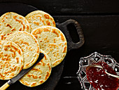 Pikelets with jam