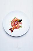 Gelbschwanzgarnele und Sevruga-Kaviar mit Walnuss und Mirin-Reiswein-Dressing