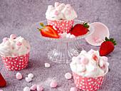 Cupcakes mit Baisersahne