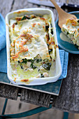 Salmon-spinach lasagnes