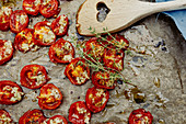 Baked tomatoes with garlic and thyme