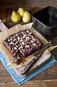 Hausgemachte mehllose Brownies mit Birnen