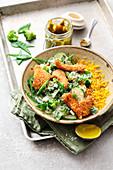 Knusperhähnchen mit Zuckerschoten und grünem Curry