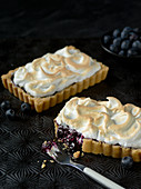 Blueberry tartlets with a meringue topping