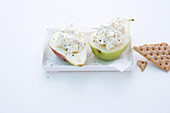 Stuffed pears with blue cheese cream served with crispbread