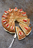 Ali Baba cake with fresh figs