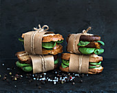 Cured chicken and spinach whole grain sandwiches