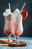 Strawbeeries and chocolate smoothies
