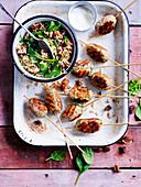 Puten-Köfte vom Grill mit Feigen-Spinat-Reis