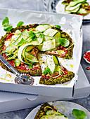 Broccoli-'Pizza' mit Zucchini