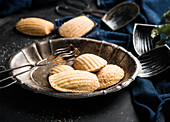 Vegan madeleines (French biscuits)