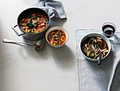 Gemüsesuppe mit Hülsenfrüchten & Asiatische Pilzsuppe mit Nudeln