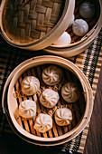 Dumplings im Bambuskörbchen (China)