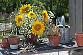 Strauß aus Sonnenblumen, Wiesenkümmel und Getreide - Ähren