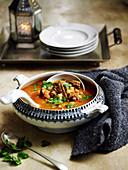 Harira, arabische Suppe mit Lamm und gemüse