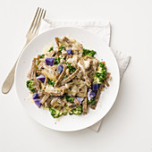 Pizzoccheri con patate viola e cavolo riccio (buckwheat pasta with purple potatoes and kale, Italy)