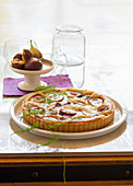 Figs tart with almond cream