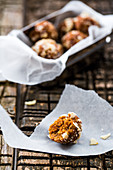 Energy balls with dates, nuts and raisins