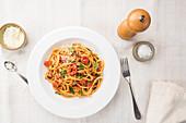 Spaghetti Amatriciana mit Parmesan