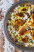 Chelo (persischer Reis) mit Tahdigh (Kruste)