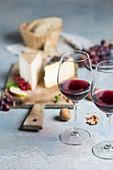 Rotwein mit Käseauswahl