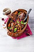 Hähnchen-Kichererbsen-Curry mit getrockneten Aprikosen
