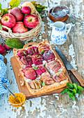 Apfelkuchen mit Quark, Honig und Zimt