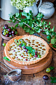 Gooseberry pie with quark filling