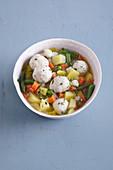 Gemüseeintopf mit Ricottaklößchen