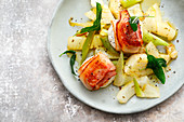 Fennel salad with goat's cheese wrapped in bacon (low carb)