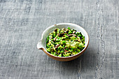 Vegan pea and spinach guacamole