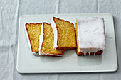 Coconut and carrot oil-sponge cake