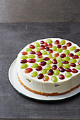 Creamy cheesecake with grapes