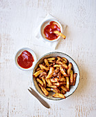 Hot-air fryer chips with homemade ketchup