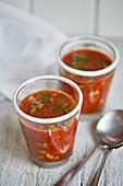 Tomatensuppe mit Zucchini