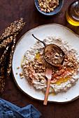 Auberginen-Dip mit Keto-Crackern