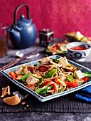 Schnelle Nudeln mit Gemüse und Tofu (Asien)