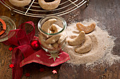 Hazelnut and cinnamon curls (Christmas)