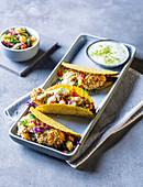 Fisch-Tacos mit fruchtiger Salsa