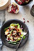 Kürbisklösschen mit Salat