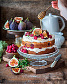 Fig raspberry cake with honey