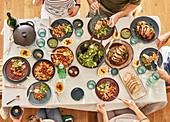 'Fusion Kitchen' Buffet für Gäste