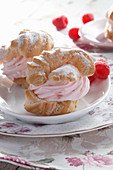 Puff with raspberry cream