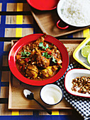 Chicken tomato curry with almonds