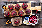 Wholemeal muffins with beetroots and cacoa