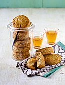 Hazelnut scones with vanilla