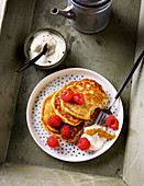 Almond pancakes with vanilla cream