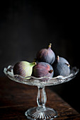 Fresh figs in a glass bowl