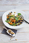Vegetable bulgur with blueberries and walnuts